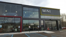 <h5>Mini Cooper</h5><p>Route 9 Wappingers, NY</p>